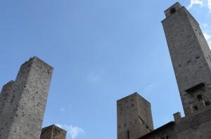 尖塔の街 Sangiamiano